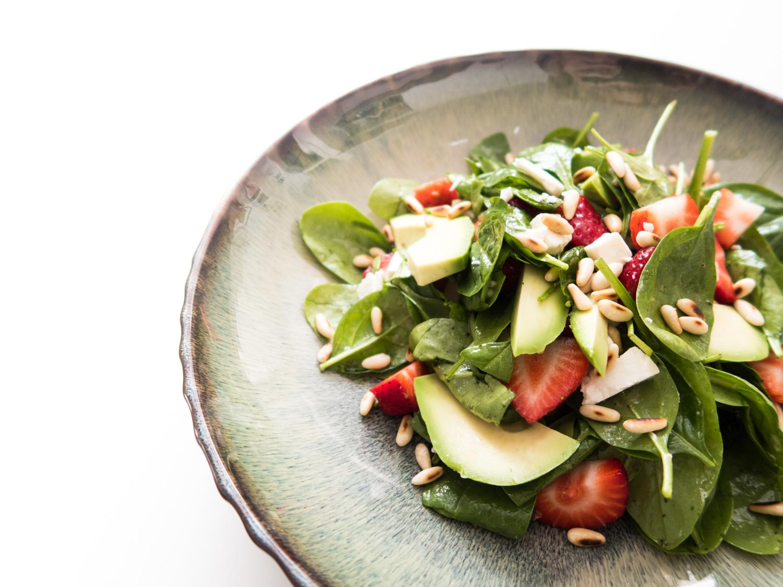 Spinat-Erdbeer-Feta-Avocado-Salat-Clean-Eating-Foodblogger-Giveherglitter-1