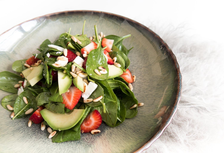 Spinat-Erdbeer-Feta-Avocado-Salat-Clean-Eating-Foodblogger-Giveherglitter-2