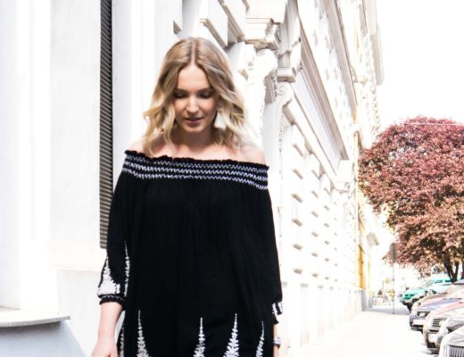 Blog-Your-Style-Outfit-Fashionshooting-Streetstyle-Off-Shoulder-Trend-Fashionblog-Austria-Giveherglitter-ripped-Jeans-2
