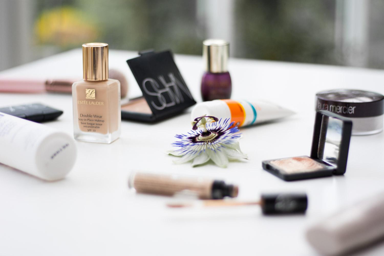 Sommer-Makeup-Foundation-Sweat-Proof-Giveherglitter-Beautyblogger-Vienna-Wien-Nars-Urban-Decay-Declare-Este-Lauder-La-Roche-Posay-Laura-Mercier-Kiko-Catrice-2