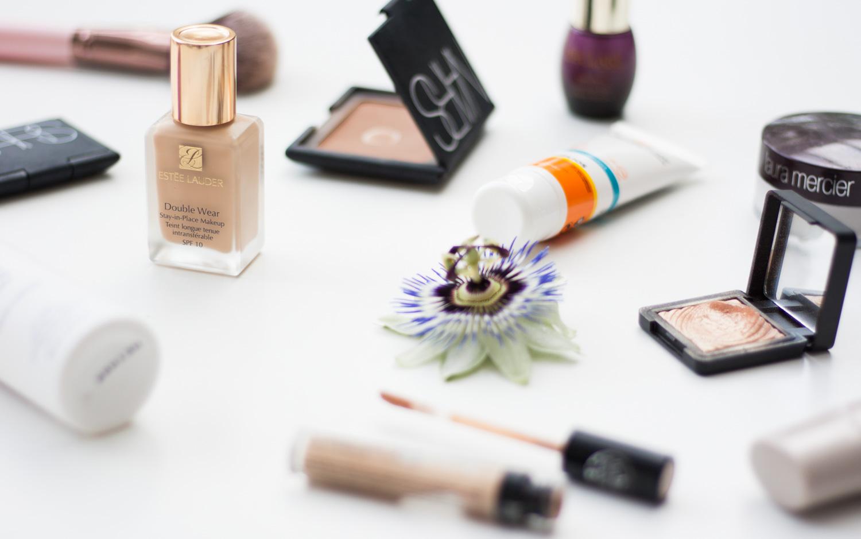 Sommer-Makeup-Foundation-Sweat-Proof-Giveherglitter-Beautyblogger-Vienna-Wien-Nars-Urban-Decay-Declare-Este-Lauder-La-Roche-Posay-Laura-Mercier-Kiko-Catrice-3