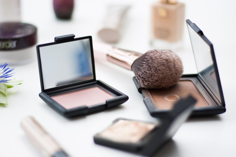 Sommer-Makeup-Foundation-Sweat-Proof-Giveherglitter-Beautyblogger-Vienna-Wien-Nars-Urban-Decay-Declare-Este-Lauder-La-Roche-Posay-Laura-Mercier-Kiko-Catrice-7