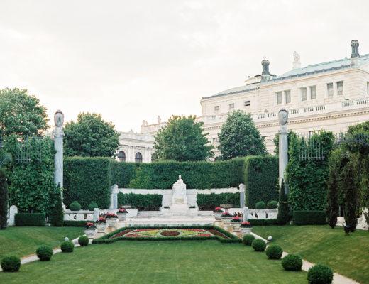 vienna-summer-engagement-picnic©melanie-nedelko-wedding-photographer-149